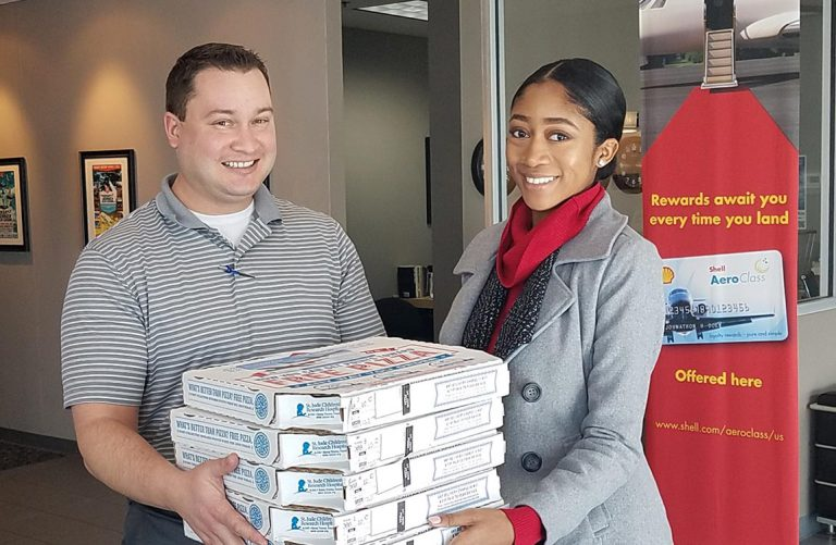 Aventure Brings Lunch and Cheer to those Affected by U.S. Government Shutdown